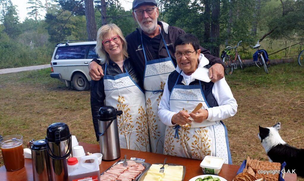 Matlaget med Elisabeth, Krister och Hilma.
